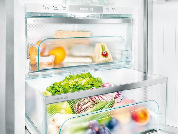 Как избавится от запаха в холодильнике