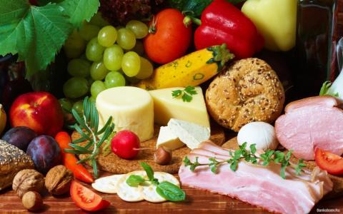 Как сохранить продукты в дороге без холодильника?